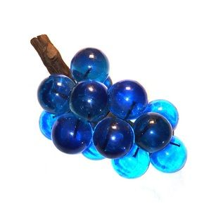 VTG • Lucite Grapes •